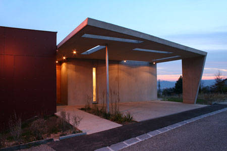 House with Panorama - carport in twilight
