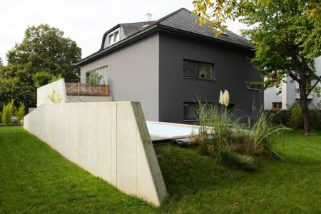 Haus für eine Fußballmannschaft - Gartenansicht