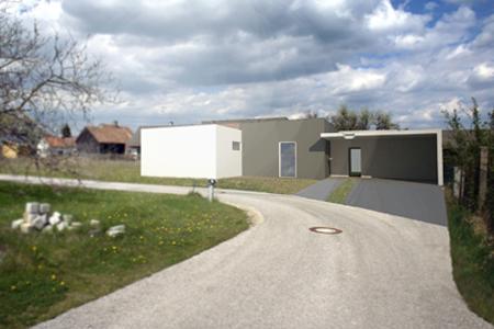 Haus für einen Kindergartenfreund - Blick von der Strasse