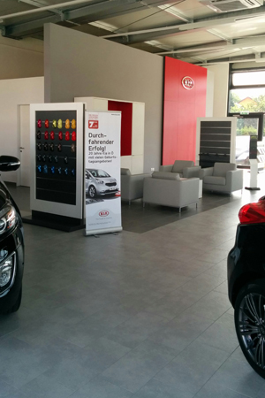 KIA-Cars Showroom