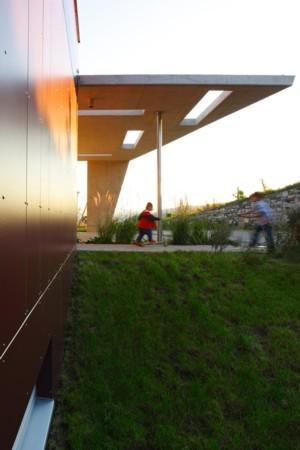 Haus mit Panorama - Flugdach des Carports
